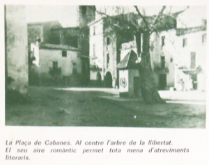 Plaça de Cabanes amb l'arbre de la llibertat
